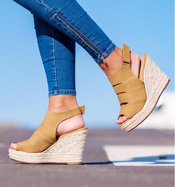 Albenga Camel Sandals