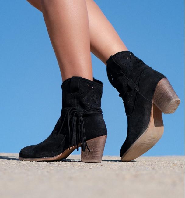 Barranquilla Black Boots