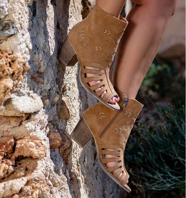 Coba Camel Color Ankle Boots