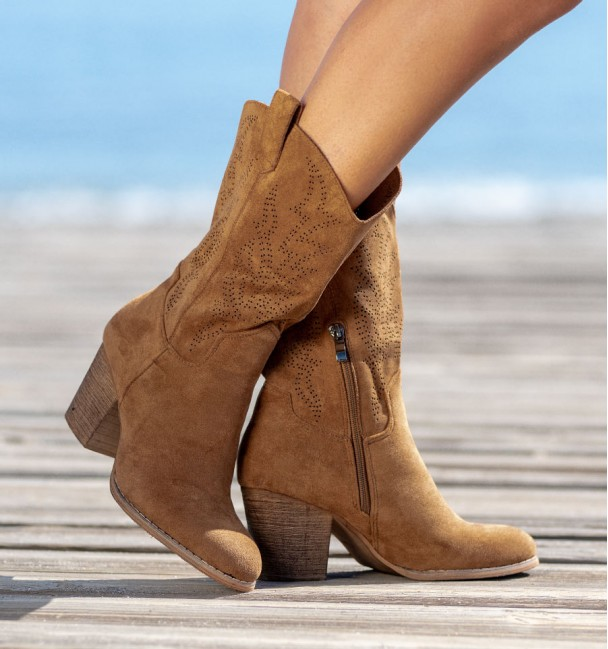 Camel Country Boots Wico