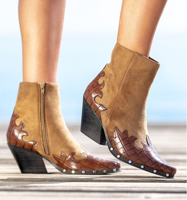 Allende Camel Leather Color Ankle Boots