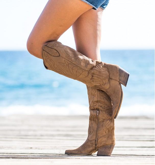 Viper Camel Boots
