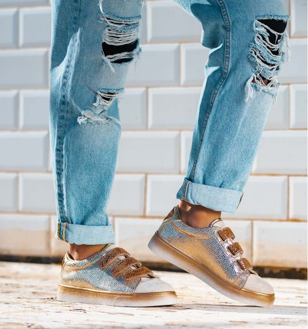 Yeno Gold Sneakers