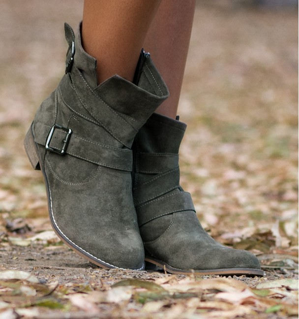 khaki green texas boots with buckles