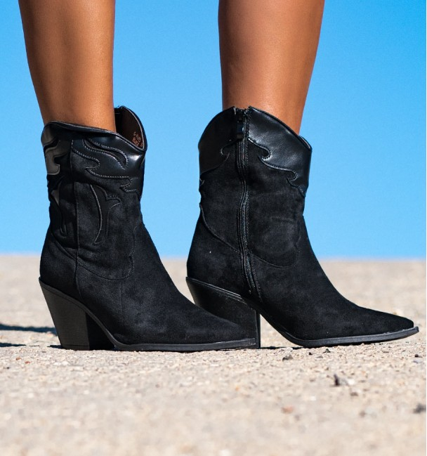 Black Boots Wisconsin