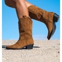 Loa Camel Boots
