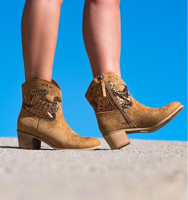 Dukat Camel Boots
