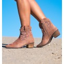 Palau Pink Boots