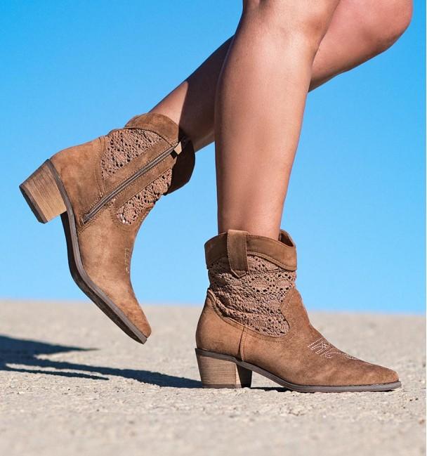 Palau Camel Heeled Boots